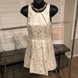NWT Gianni Bini Winter White dress small